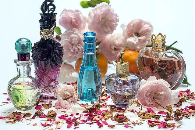 【最新】20代女性に人気の香水10選を厳選紹介!プレゼントにもおすすめ♡ アイキャッチ画像