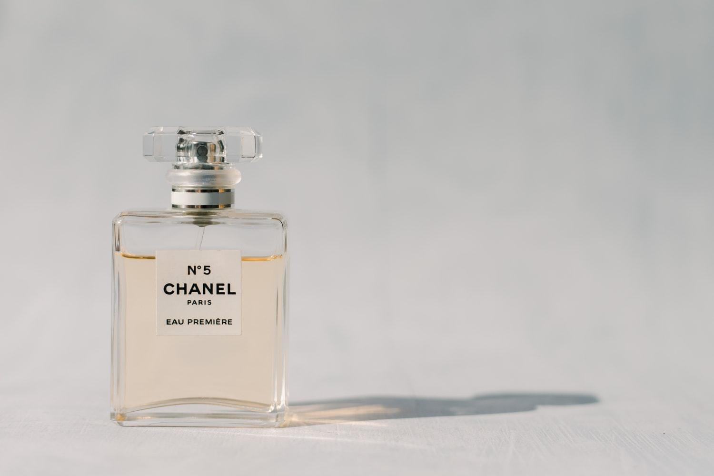 ブランドの香水サンプルがネットで買える?!価格や量を徹底解説! アイキャッチ画像