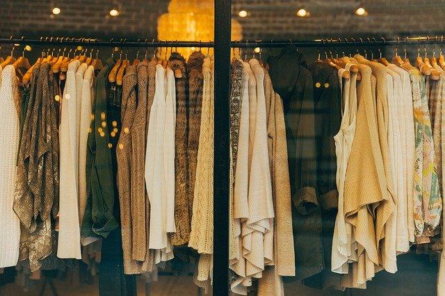 50代が着てはいけない服とは?痛い人だと思われないための洋服の選び方 アイキャッチ画像
