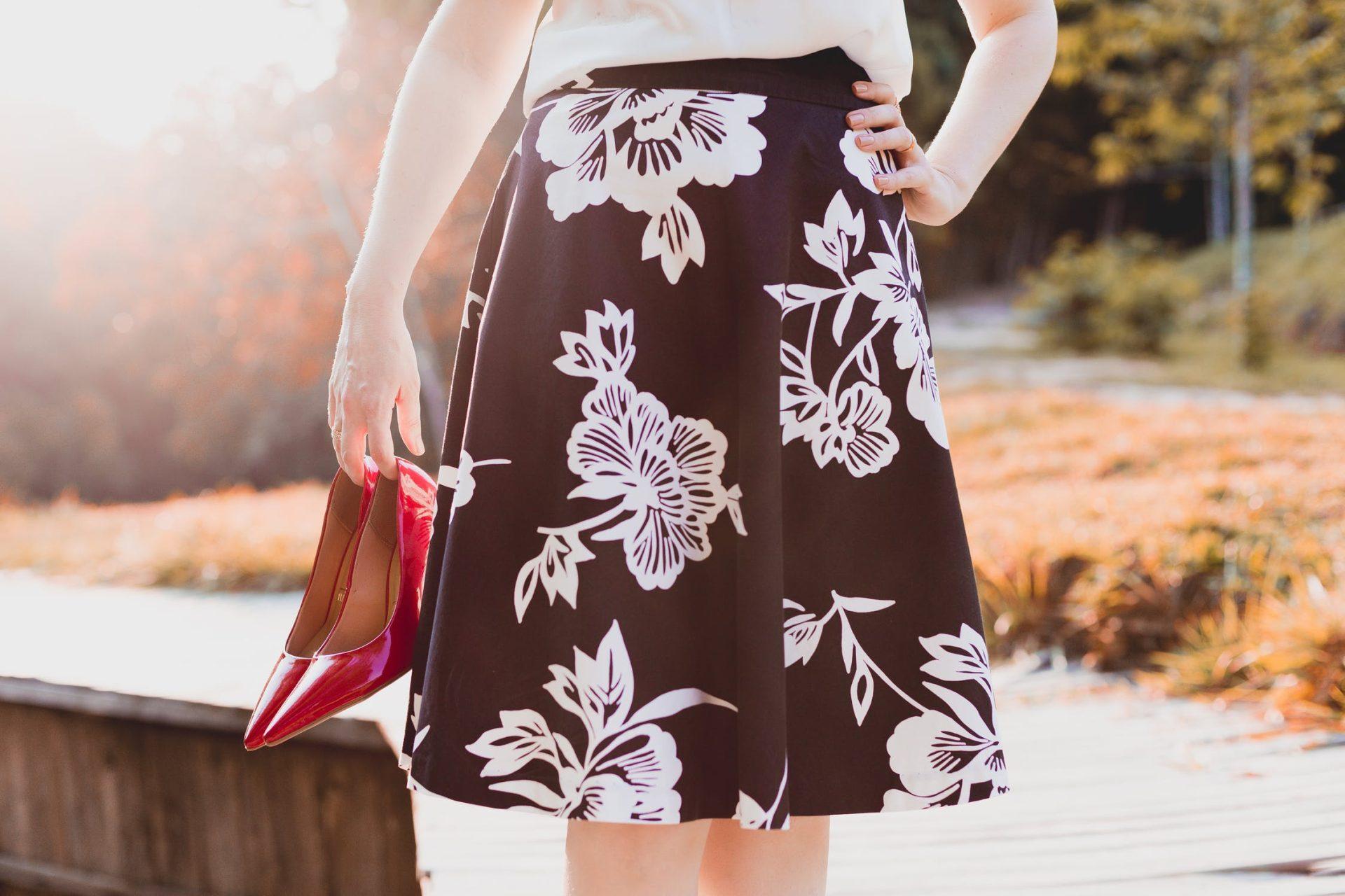 スカート丈の長さの種類を徹底解説!それぞれの長さに合ったコーデをご紹介! アイキャッチ画像