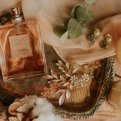 洋梨(ペア)の香りの香水おすすめ15選!甘いけどサッパリしたフルーティーな香り♡ アイキャッチ画像
